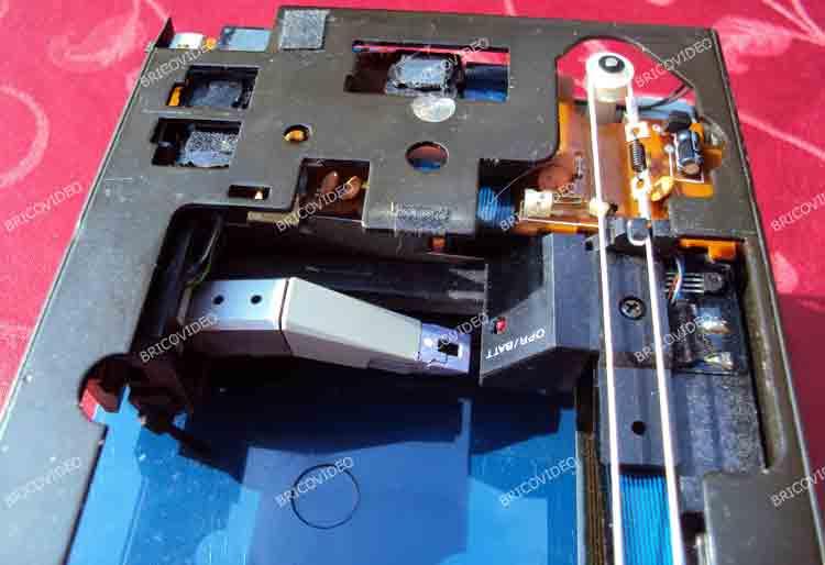 BricoVidéo réparation platine vinyle vintage Sony PS-F5